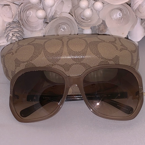 Coach Daisy sunglasses with case